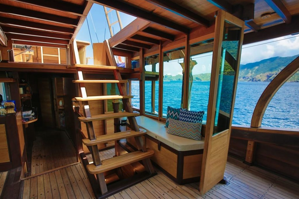So You Are Sailing with Komodo Boat and It Rains, Here's What to Do